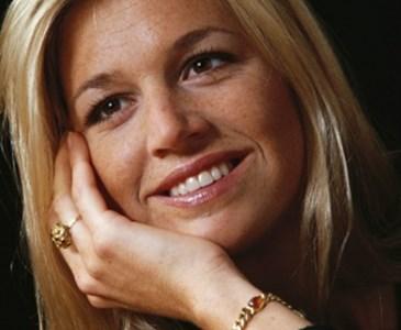 Maxima Werd Gisteren 44 Maar Vandaag Mag De Vlag Pas Uit Toluna