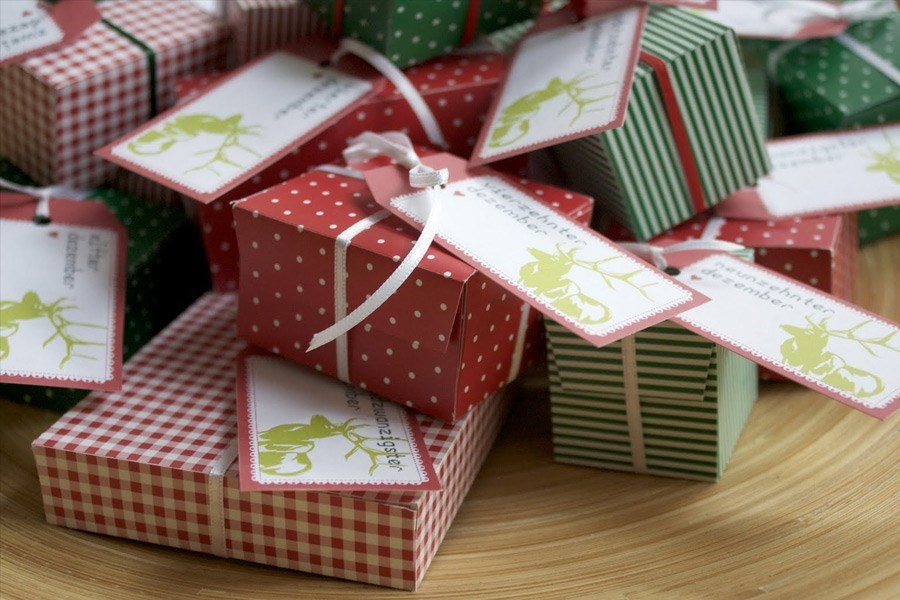 Прикольные поздравления на свадьбу с прикольными подарками