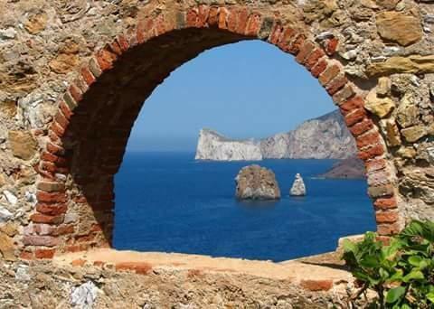 Una finestra aperta sul mare e sul cielo sardo paradiso - Una finestra sul cielo ...