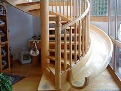 escalier int rieur avec toboggan pratique pour les enfants et les grands toluna. Black Bedroom Furniture Sets. Home Design Ideas