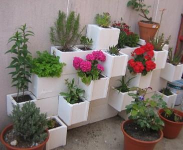 Jardinera de bloques de hormig n blanco toluna for Jardineras con bloques