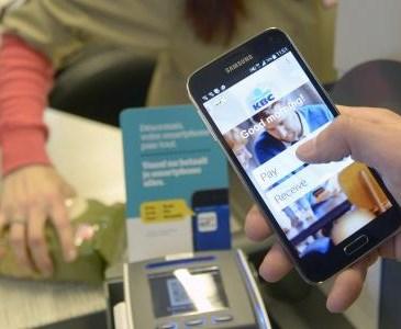 nouveaut le paiement par smartphone envisagez vous d 39 utiliser votre t l phone comme une. Black Bedroom Furniture Sets. Home Design Ideas