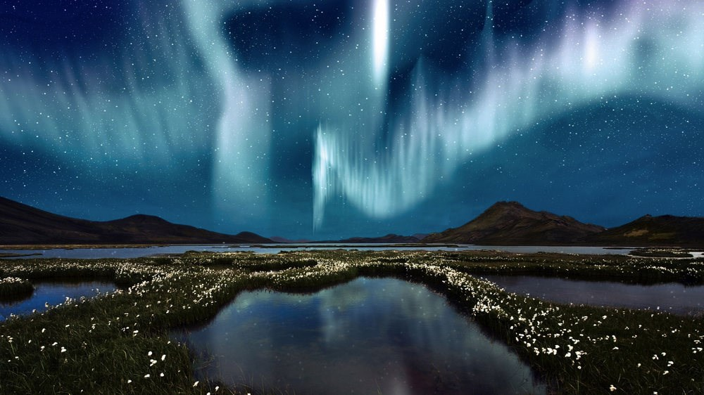 the aurora borealis The aurora borealis or the northern lights is one of nature's most spectacular phenomenon it can't be described, it has to be experienced to get the best view of it you have to have a clear view of the.