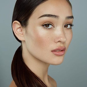 Natural Makeup Look or Dewy Makeup Look