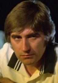 Beard or No Beard? How do you prefer actor Ken Hutchison?   Toluna