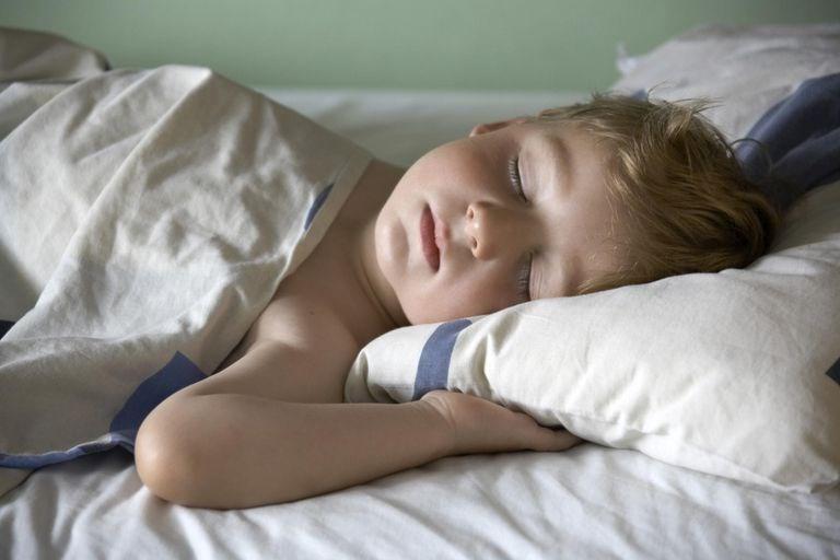 knocked-girl-nude-boy-sleeping