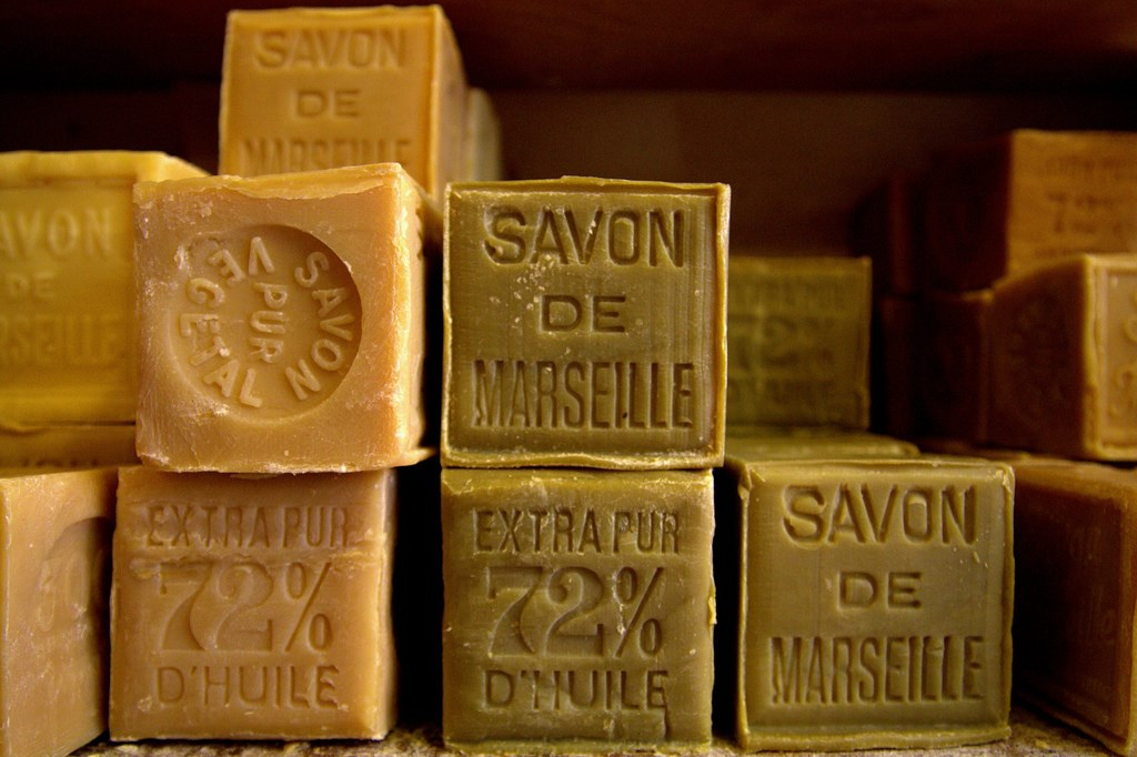 Dans la composition du vrai savon de marseille que trouve t on toluna - Composition savon de marseille ...