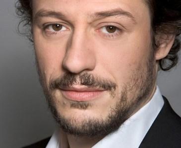 Buon Compleanno a Stefano Accorsi.l'attore oggi compie 47 anni