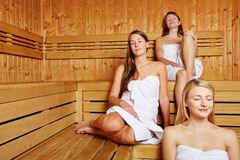 Nederlandse Handbalsters In De Sauna Toluna