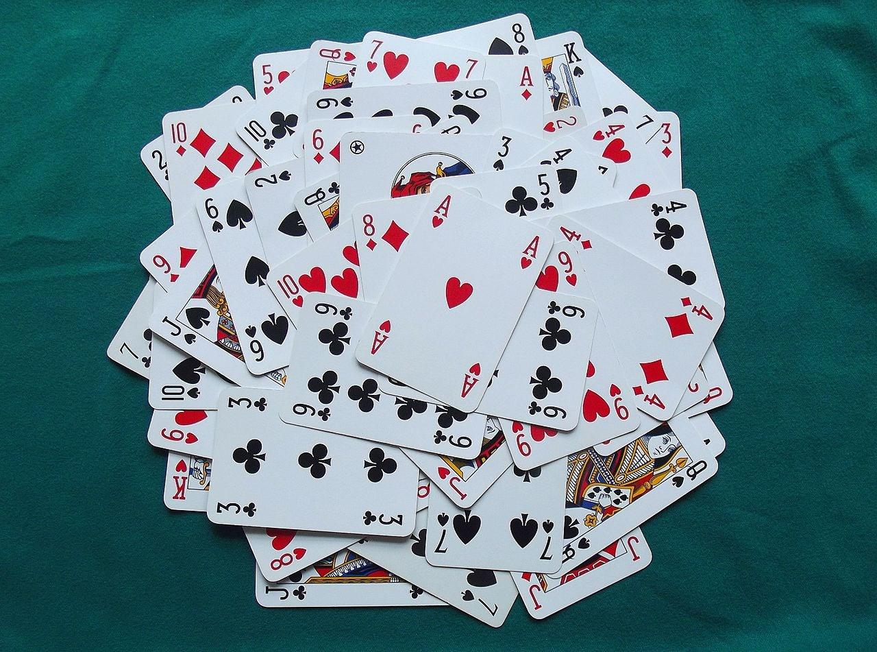 Un gioco di carte con i carichi