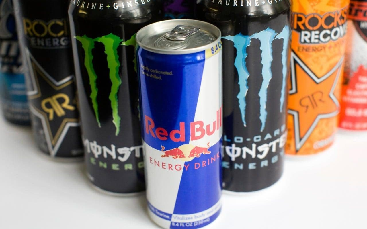 how does energy drinks at school The potential dangers of energy drinks, those highly caffeinated beverages that promise to stave off sleepiness, are well known, but a new study suggests that even young children are at risk.