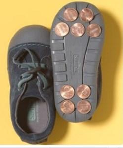 münzen auf sohlen